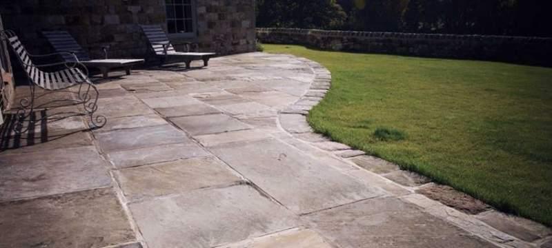 Soluzioni in pietra per i pavimenti esterni kewego magazine for Soluzioni per esterni