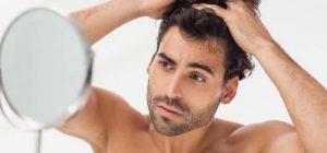 caduta-capelli-uomo-preoccupato_800x372