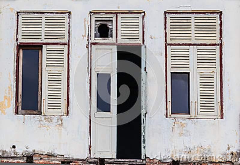 porta rovinata