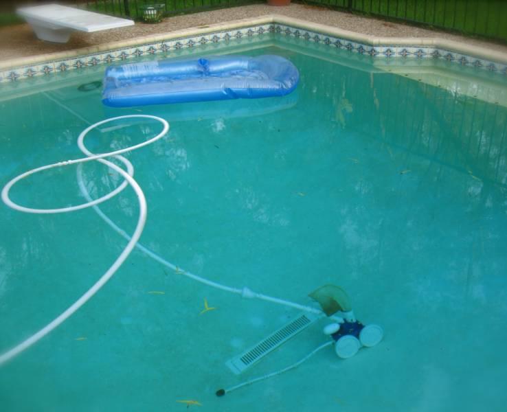 scegliamo-insieme-il-miglior-robot-pulitore-per-piscina